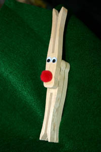 How to  Make a Clothespin Reindeer for Christmas